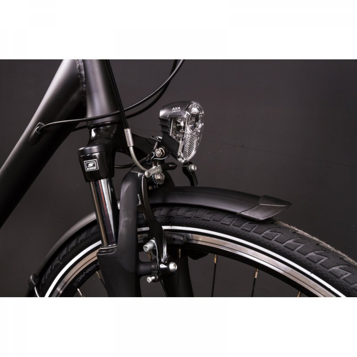 28 zoll alu herren bike trekking fahrrad shimano 24 gang nabendynamo continental schwarz rh 55. Black Bedroom Furniture Sets. Home Design Ideas